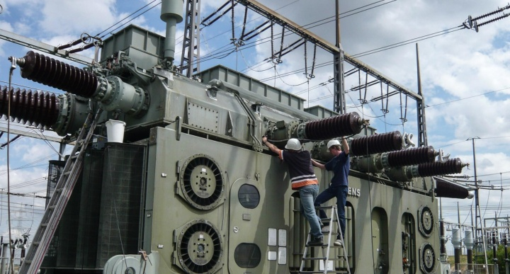 Vor-Ort-Messung an einem Transformator (c)