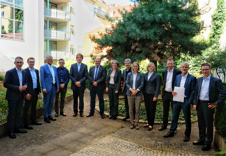 Die Übergabe der Zuwendungsverträge am 17. September 2018 im Ministerium für Umwelt, Klima und Energiewirtschaft Baden-Württemberg